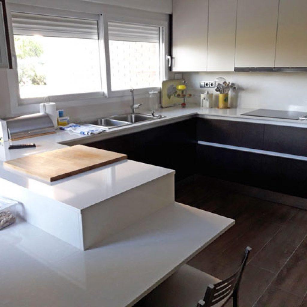 Cocina negra y roja fabulous muebles with cocina negra y for Cocinas ferrati