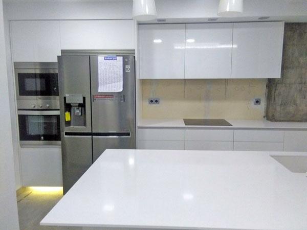 Fotos de cocinas modernas blancas amazing cocina moderna for Cocinas modernas blancas
