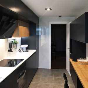 cocina-negra-y-madera3